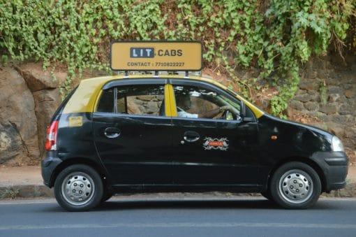kaali-peeli-taxi